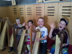 The harpists are ready!